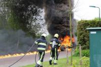 Tractor in vlammen op in Oudega