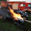 Auto vliegt in brand na aanrijding Marrum