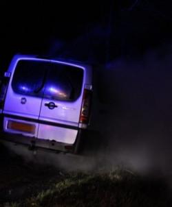 Brandweer blust autobrand aan Broekloane(Video)